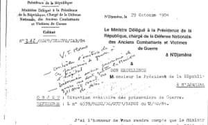 """一份文件显示在Habré的笔迹中写着""""没有囚犯离开监狱,除非是死亡""""的说明。"""