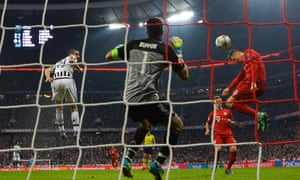Robert Lewandowski scores for Bayern Munich.