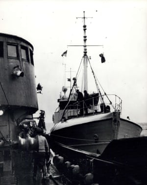 An Icelandic gunboat (right) comes alongside a British trawler but the latter carries out evasive action and gets away and no arrest is made, 9 September 1958.