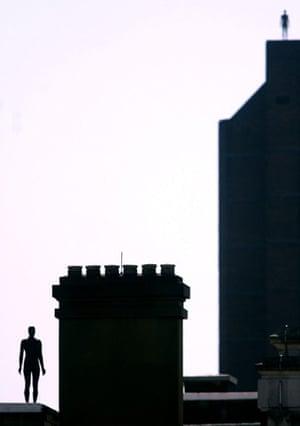 Antony Gormley's Event Horizon
