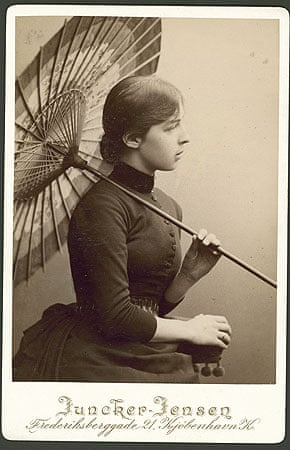 Photograph of Anna Hammershøi with a parasol, undated.