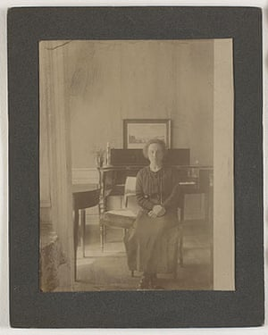 Photograph of Ida Hammershøi at home, Bredgade 25, about 1911