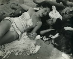 Coney Island, c. 1947 © Sid Grossman