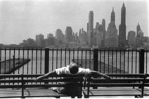 Manhattan from the Brooklyn Promenade, 1954 © Louis Stettner
