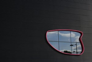 The Public. A new multi-purpose building in West Bromwich designed by Will Alsop Architects