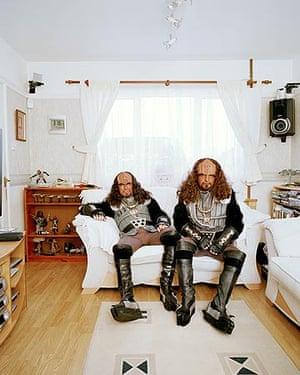 Keith Carlos Batt (left), dressed as a Klingon