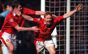 David May celebrates with Gary Pallister