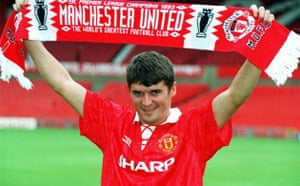 Roy Keane signs for Manchester United