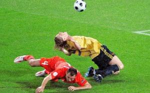 Fernando Torres goes down