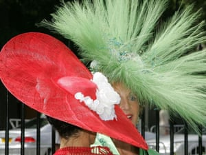Ilda Di-Vico (in red) and Liz Healey at Royal Ascot on the third day of racing