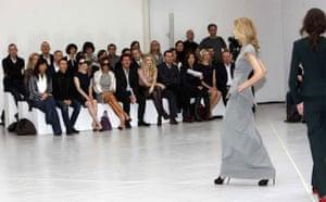 Roland Mouret catwalk show