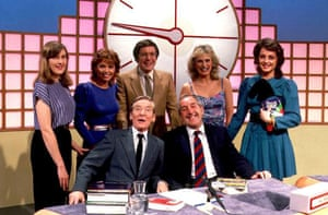 Richard Whiteley, Cathy Hytner, Carol Vorderman with dictionary corner guests Kenneth Williams and  Ted Moult on the first series of Countdown in 1982