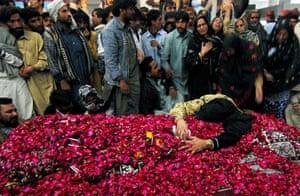 Bhutto's grave