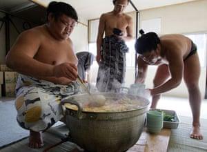 Wrestlers serve up 'chanko-nabe'