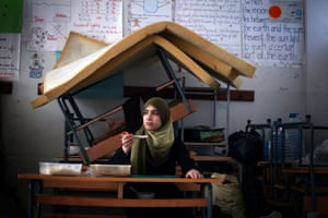 A Palestinian girl who fled her home