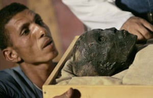 An archeaologist gets face to face with King Tut