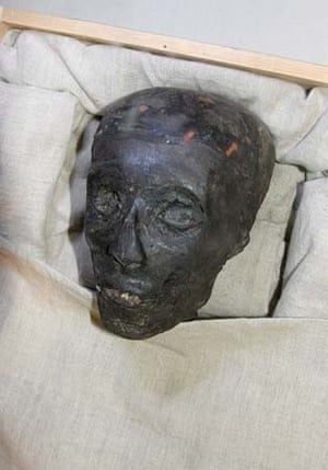 The mummy's face