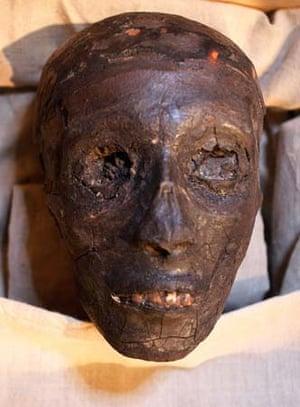 Tutankhamun's mummified face