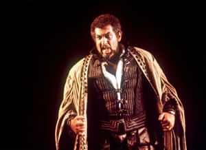 Plácido Domingo as Verdi's Othello at La Scala in 2001