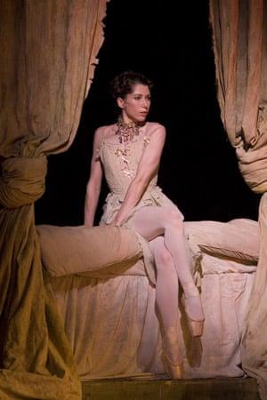 Leanne Benjamin in Manon