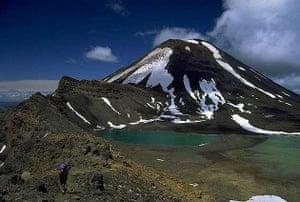 Emerald lakes on the Tongariro crossing