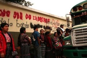 Bus queue, Guatemala