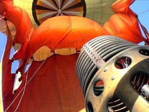 Deflating balloon, Australia