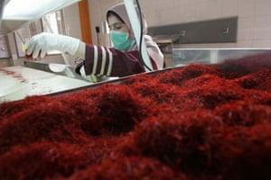 Saffron cleaning