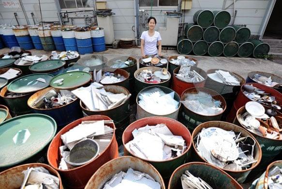 foto dari : https://www.theguardian.com/world/gallery/2008/aug/05/japan.recycling