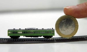 The world's smallest functioning train