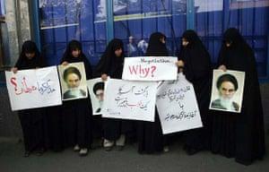 April 8 2006, Tehran, Iran: Students hold anti US slogans