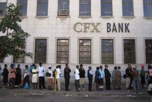 Zimbabwe bank queue