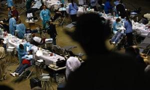 Hundreds arrive for temporary health clinc in California