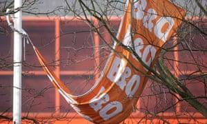 B&Q, British DIY chain, has withdrawn its wind turbines from sale