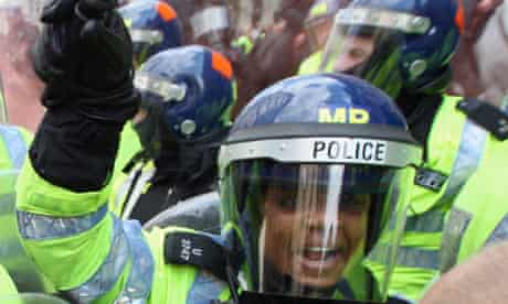 G20 woman police officer
