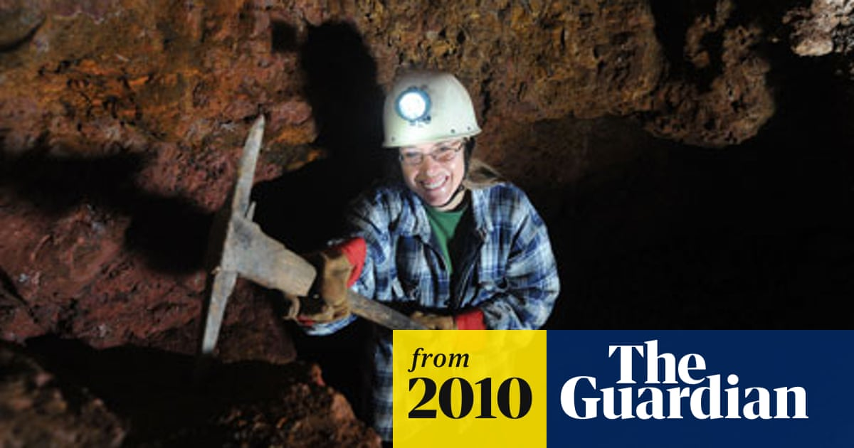 Woman wins right to hold 'free miner' title | World news | The Guardian