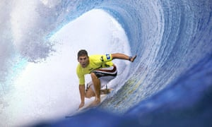 Hawaii in mourning after sudden death of surfing champion