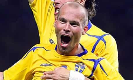 Swedish midfielder Freddie Ljungberg cel