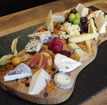 The signature cheese platter of L'Art du Fromage