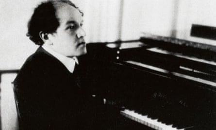 MEDTNER, Nikolai Karlovich - at the piano