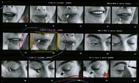 The top half of Eve Arnold's contact sheet from a shoot with Joan Crawford in 1959.