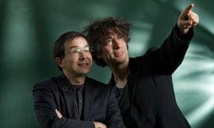 Neil Gaiman (right) and Shaun Tan