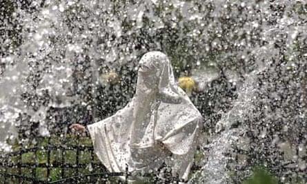 An Egyptian woman in full veil