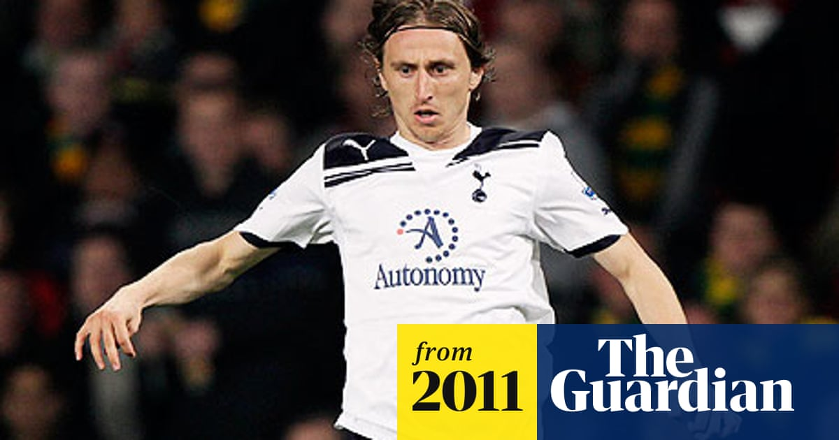 best sneakers 12e34 24f03 Tottenham Hotspur turn down £22m Chelsea bid for Luka Modric ...