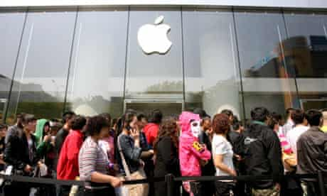 Apple's White iPhone 4 Begins To Sell In China