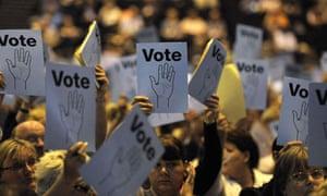 Unison delegates vote