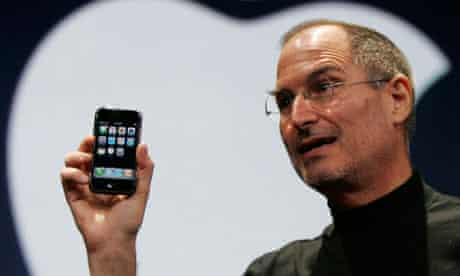 Apple CEO Steve Jobs demonstrates the new iPhone in San Francisco, 2007.