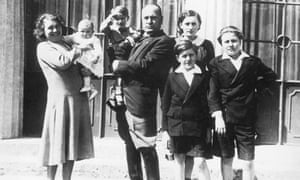 Mussolini and wife Rachele with children