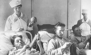 Wounded soldiers with nurses, first world war