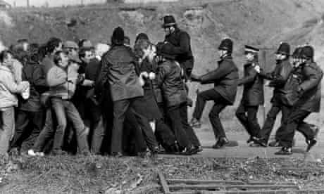Miners and police, Orgreave, 1984